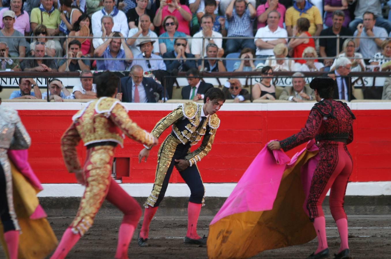Tremenda cornada a Saúl Jiménez Fortes en Bilbao