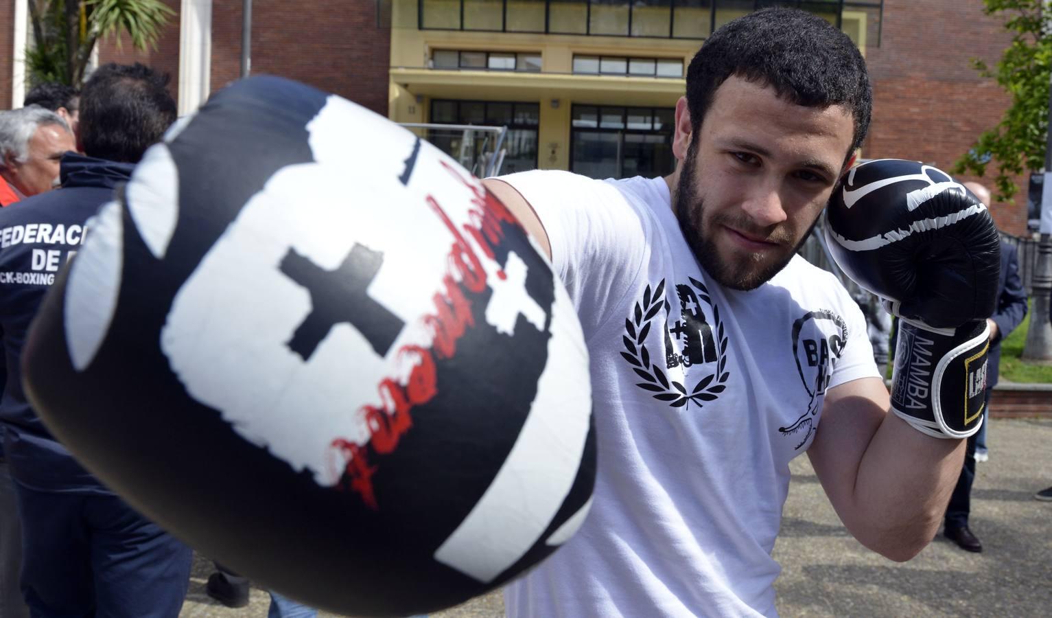 Bilbao se convierte en un ring al aire libre para promocionar el Campeonato de Euskadi de boxeo